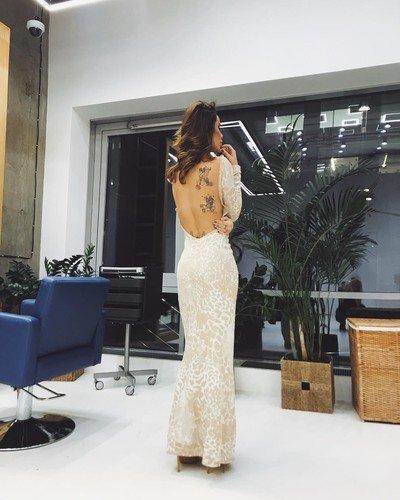 «Какие же у меня убогие татуировки»: Айза Анохина мечтает свести старые рисунки на теле