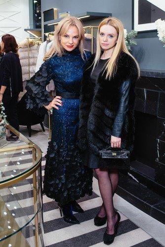 Мама Миланы Кержаковой выглядит эффектнее 23-летней измученной дочери