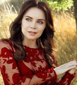 Лилия Подкопаева поделилась редким фото повзрослевшей дочери Каролины (фото)
