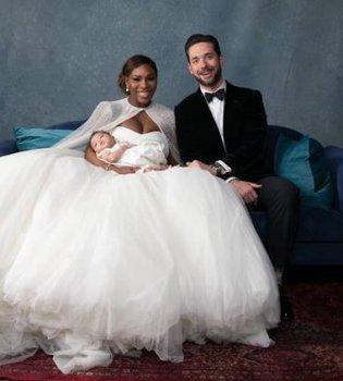 В роскошном белом платье и с дочерью на руках: в сети появились первые свадебные фото Серены Уильямс (Фото)