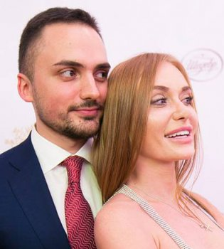 Сладкая парочка: Слава из «Неангелов» с супругом на Viva! Балу 2017