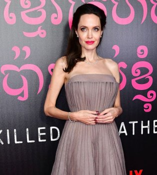 Анджелина Джоли выходит замуж за британского бизнесмена — СМИ (фото)