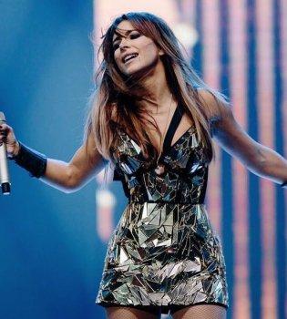 Ани Лорак впервые за долгое время выступила в Киеве: Для меня большая честь петь на этой сцене! (видео)