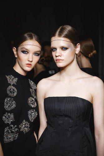 Ода монохромности и черному цвету: как повторить макияж с показа Chapurin Haute Couture