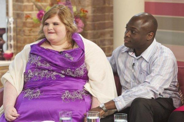 Юная британка поправилась на 100 кг, чтобы нравиться своему бойфренду