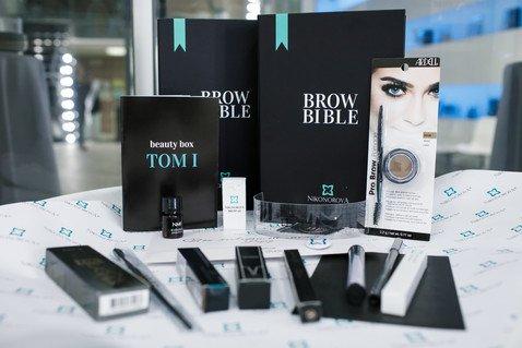 Презентация первой бьюти-коробки, полностью посвященной бровям — Nikonorova Brow Bible