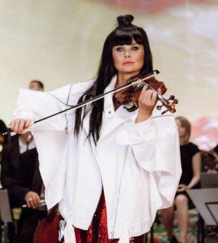 Пока все мечтают: Ассия Ахат стала единственной украинкой, замахнувшейся на Грэмми 2018