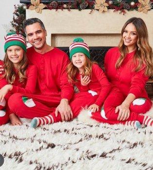 С Санта-Клаусом и в кругу семьи: Синди Кроуфрд, Мадонна, Ева Лонгория, Блейк Лайвли и другие отпраздновали Рождество