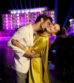 Больше не одинока? Белла Хадид обнималась в Дубае с испанским манекенщиком