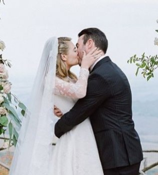 Нежно и роскошно: Кейт Аптон показала новые фото со свадьбы (Фото)