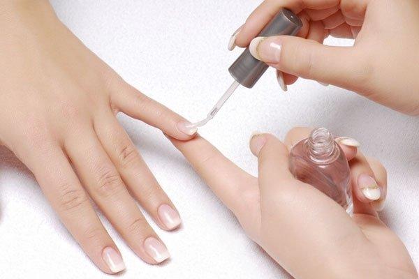 Спасительный гель для хрупких ногтей