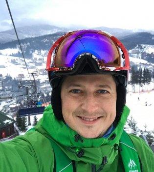 Александр Педан покатался на лыжах с дочкой (фото)