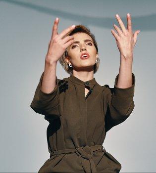 Оля Диброва представила дебютное видео (видео)