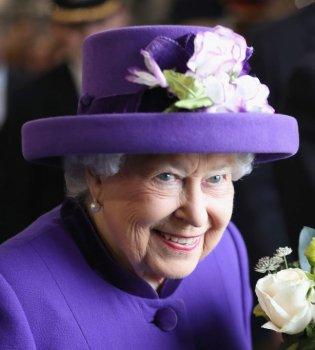 Королева Елизавета II пригласила Меган Маркл на традиционную рождественскую службу (Фото)