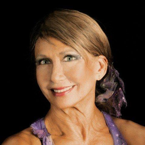 Эта 67-летняя пенсионерка танцует на пилоне и утверждает, что это спасает от остеопароза