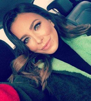 Самые сладкие объятия: Ани Лорак поделилась нежным фото с дочерью (Фото)