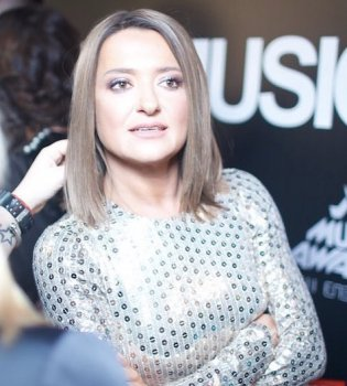 Конфуз на сцене: Наталье Могилевской во время выступления выключили звук (видео)