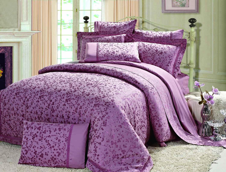 Одеяла простыни