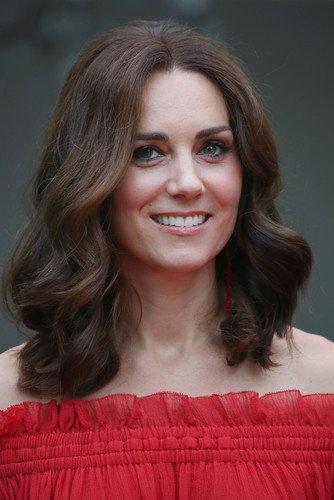 Кейт Миддлтон пожертвовала часть своих волос на парики для детей