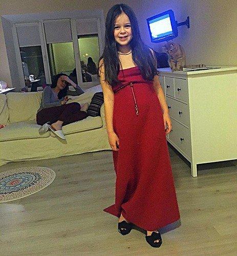 7-летняя внучка Любови Полищук растет яркой штучкой