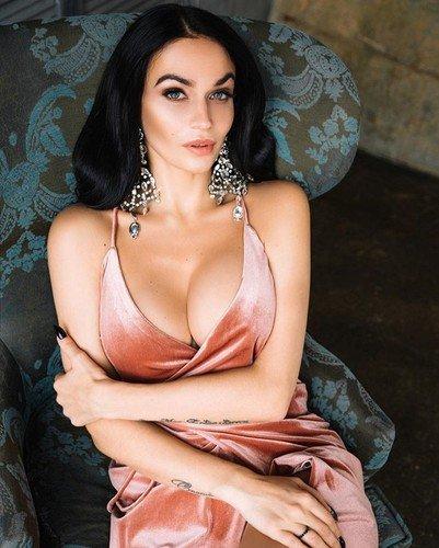 «У меня нет резиновых губ и отпиленного носа пекинеса»: Водонаева гордится своей естественной красотой