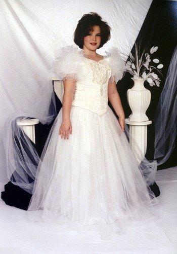 155-килограммовая Тесс Холлидей показала, как выглядела в 13 лет, когда участвовала в конкурсе красоты
