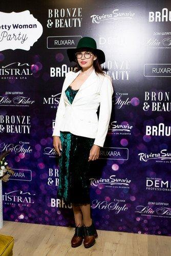 Эвелина Бледанс, Юлия Барановская и другие звезды поздравили салон красоты Bronze&Beauty с новосельем
