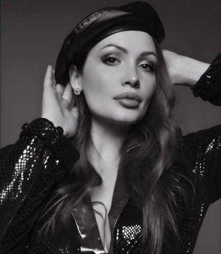 Один в один: на новом снимке в Инстаграме Багаудинову перепутали с Джоли