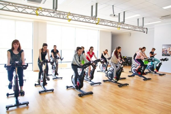 Велопрогулка не выходя из фитнес-клуба: X-Fit представил инновационную программу X-Race My Ride