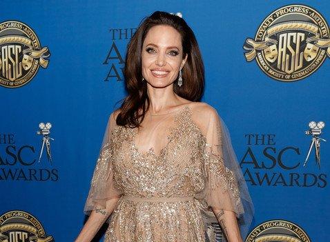 «Я-то их вижу!»: Анджелина Джоли назвала собственные изъяны внешности, которые действуют ей на нервы