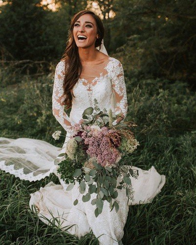 Ядовитый свадебный букет чуть не лишил невесту зрения