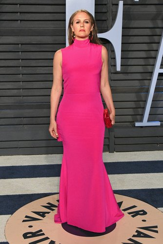 Развод подкосил? Мрачную и зажатую Алисию Сильверстоун на афтепати «Оскара» не узнавали даже друзья