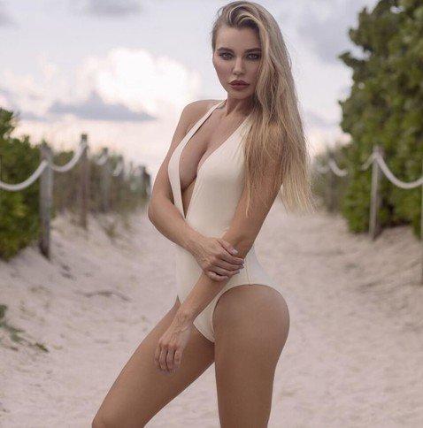 Четырежды мама и жена известного хоккеиста Николь Ковальчук стала «Мисс фитнес-бикини»