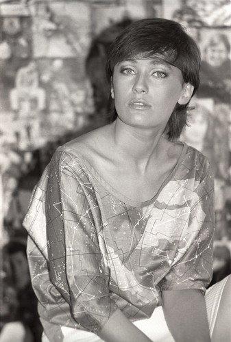 Лариса Гузеева показала фото 28-летней давности и поразила неожиданным сходством с Патрисией Каас