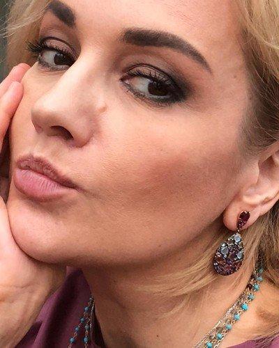 49-летняя Татьяна Буланова не боится публиковать в соцсетях фото без ретуши
