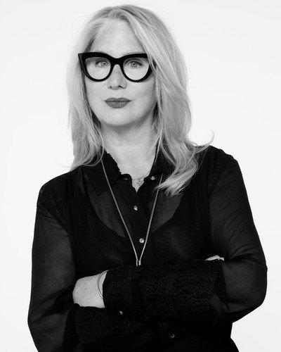 Директор по макияжу L'Oreal Paris Вэл Гарланд рассказала о главных бьюти-трендах сезона