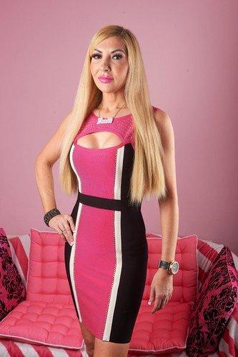 «Самая старая Барби в мире» не сдается и ждет своего Кена, несмотря на конкуренцию с молодежью