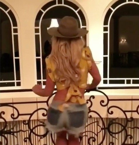 Oops!… I Did It Again: Бритни Спирс влезла в шорты, в которых снималась в клипе много лет назад