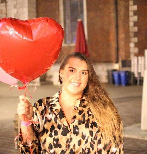 В новом документальном шоу женщин с ожирением учат быть секс-бомбами