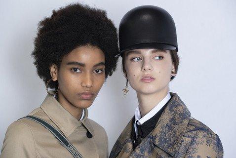 Как повторить бьюти-образы моделей с показа новой круизной коллекции Dior