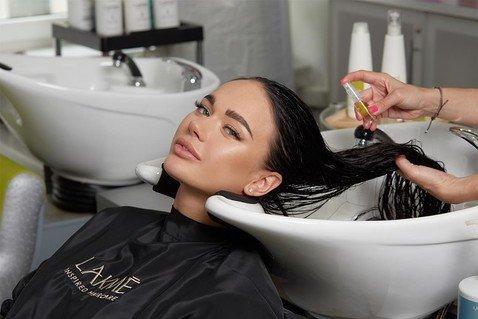 Яна Кошкина призналась, что от природы — блондинка и впервые покрасила волосы в 17 лет