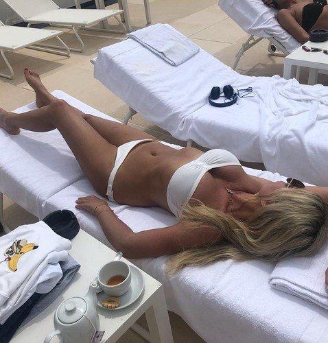 В 52-й день рождения Ирина Салтыкова показала, как выглядит в бикини