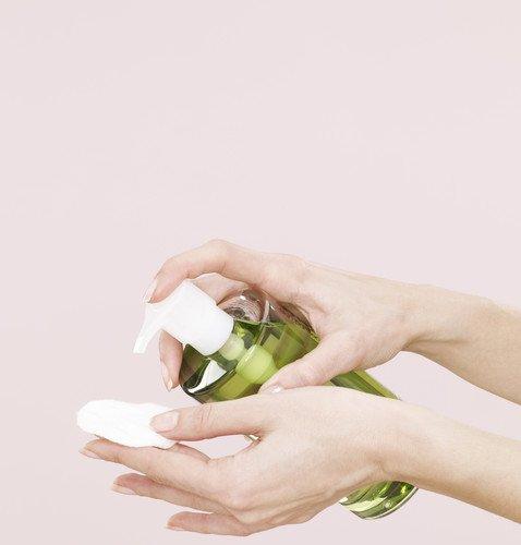 12 средств, которые косметологи никогда не нанесут на свою кожу