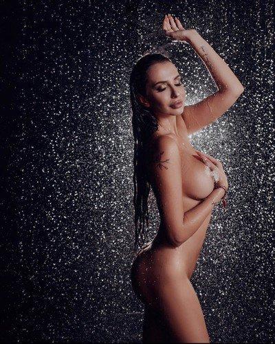«Немного волнуюсь, впервые обнажила тело»: Анна Граческая снялась голой для журнала Playboy