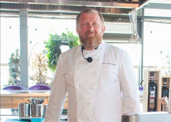 Шеф-повар Константин Ивлев рассказал о пользе субпродуктов для котов и их хозяев