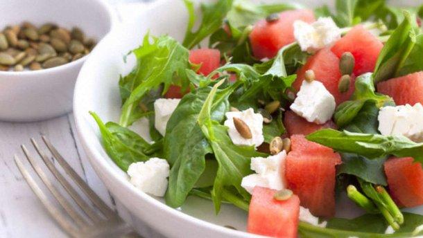 4 салата, которые обязательно надо попробовать ЛЕТОМ