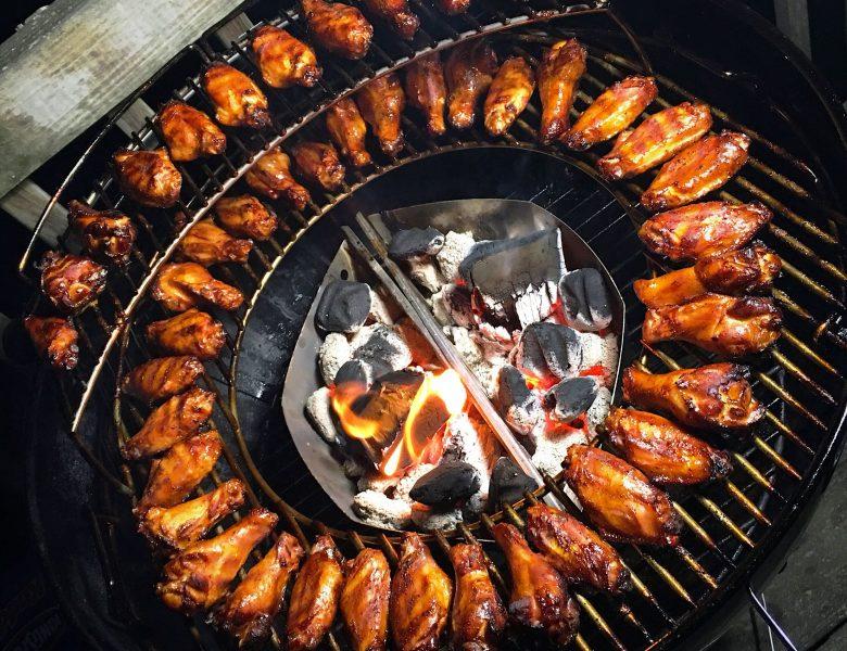 Приготовление еды на мангале